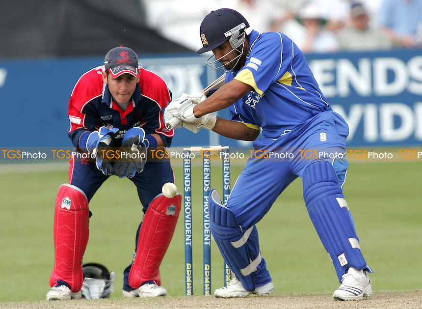 Ravi Bopara hits out for Essex - Essex Eagles vs Somerset Sabres - Friends Provident Trophy at Ford County Ground, Chelmsford, Essex - 13/06/07 - MANDATORY CREDIT: Gavin Ellis/TGSPHOTO - IMAGES USED WILL BE INVOICED AT STANDARD RATES....