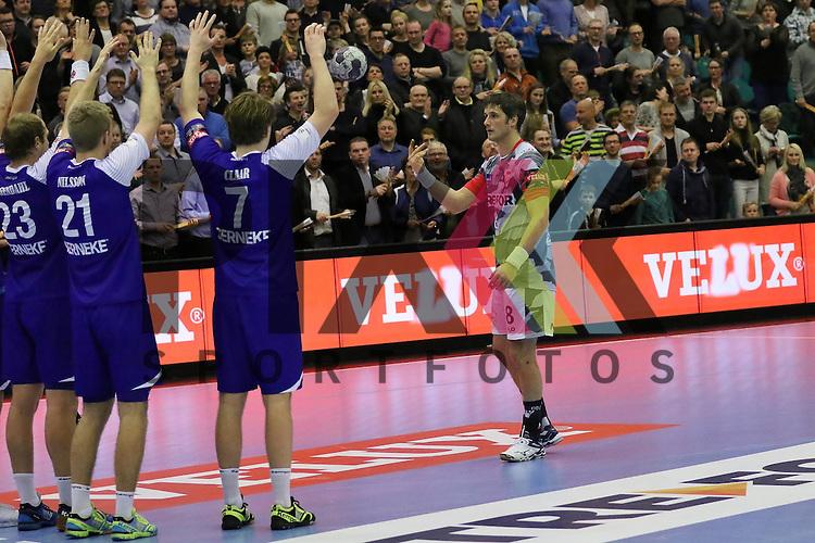 Kolding, 22.02.15, Sport, Handball, EHF Champions League, Grunppenspiel, KIF Kolding Kobenhavn - Alingsas HK : Bo Spellerberg (KIF Kolding Kobenhavn, #8), Letzter Freiwurf geschenkt.<br /> <br /> Foto &copy; P-I-X.org *** Foto ist honorarpflichtig! *** Auf Anfrage in hoeherer Qualitaet/Aufloesung. Belegexemplar erbeten. Veroeffentlichung ausschliesslich fuer journalistisch-publizistische Zwecke. For editorial use only.
