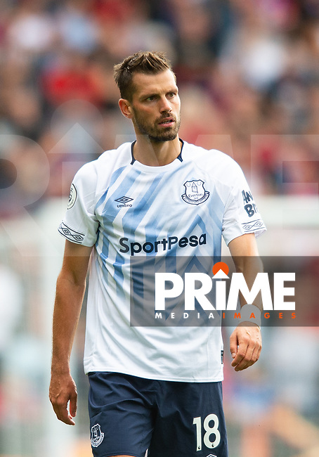 Everton Morgan Schneiderlin after receiving red card during the Premier League match between Crystal Palace and Everton at Selhurst Park, London, England on 10 August 2019. Photo by Andrew Aleksiejczuk / PRiME Media Images.