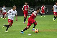 SÃO PAULO, SP, 25 DE OUTUBRO DE 2013 - TREINO SAO PAULO - O jogador do São Paulo, Jadson, durante treino no CT da Barra Funda, região leste da capital, na tarde desta sexta feira, 25. FOTO: MARCELO BRAMMER / BRAZIL PHOTO PRESS
