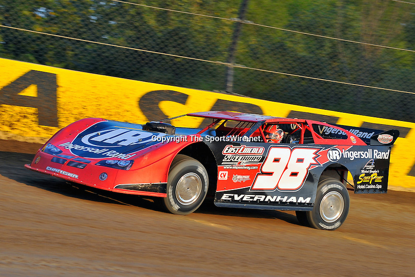 Sep 9, 2009; 6:42:54 PM; Rossburg, OH., USA; The 5th Annual All-star race with NASCAR and other drivers competing in Dirt Late Models of the Prelude to the Dream event running at the Eldora Speedway.  Mandatory Credit: (thesportswire.net)