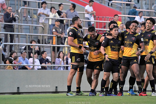 è¨ñÏçWê™/Kosei Ono (ÉTÉìÉgÉäÅ[), SEPTEMBER 2, 2017 - Rugby : Kosei Ono of Suntory celebrates scoring their team third try during the Japan Rugby Top League 2017-2018 match between Suntory Sungoliath 27-24 Yamaha Jubilo at Prince Chichibu Memorial Stadium in Tokyo, Japan. (Photo by FAR EAST PRESS/AFLO)