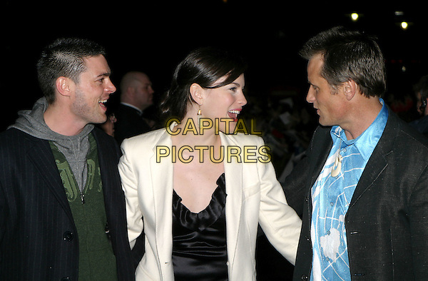 KARL URBAN, LIV TYLER & VIGGO MORTENSEN.The Lord Of The Rings: The Return Of The King UK premiere, Odeon Leicester Square.11 December 2003.www.capitalpictures.com.sales@capitalpictures.com.© Capital Pictures.