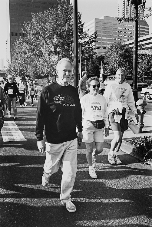 "Sen. Bob Packwood, R-Ore., on the campaign trail in Portland, Oregon running ""Race For The Cure"" (for Breast Cancer) 1992. (Photo by Laura Patterson/CQ Roll Call)"