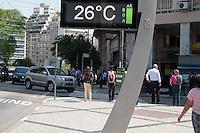 SÃO PSULO-SP-22,09,2014-CLIMA TEMPO SÃO PAULO- A temperatura na região central da cidade de São Paulo sobe ao avançar a tarde. Média de 29°.nessa Terça-Feira,22(Foto:Kevin David/Brazil Photo Press)
