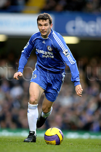 10 February 2007: Chelsea striker Andriy Shevchenko runs with the ball during the Premiership game between Chelsea and Middlesbrough, played at Stamford Bridge. Chelsea won the match 3-0. Photo: Actionplus....070210 football soccer player