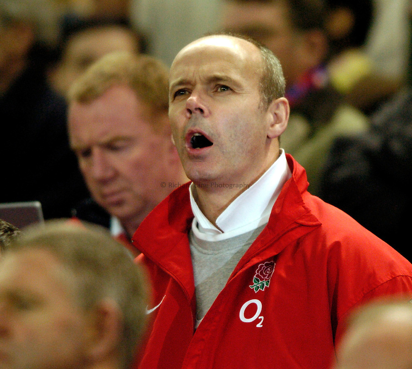 Photo: Richard Lane..France v England. RBS Six Nations. 27/03/2004..Sir Clive Woodward.