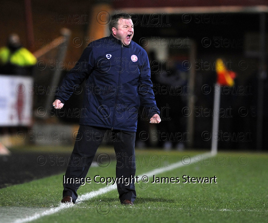 11/03/2008    Copyright Pic: James Stewart.File Name : sct_jspa08_dunfermline_v_hamilton.HAMILTON BOSS BILLY REID DURING THE GAME AGAINST DUNFERMLINE.James Stewart Photo Agency 19 Carronlea Drive, Falkirk. FK2 8DN      Vat Reg No. 607 6932 25.Studio      : +44 (0)1324 611191 .Mobile      : +44 (0)7721 416997.E-mail  :  jim@jspa.co.uk.If you require further information then contact Jim Stewart on any of the numbers above........