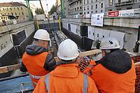 - Milano cantiere per la costruzione della nuova linea 4 &quot;Blu&quot; della Metropolitana, la &quot;talpa meccanica&quot; predisposta per lo scavo della galleria sotto il centro cittadino<br /> <br /> - Milan building yard for the construction of the new line 4 &quot;Blue&quot; of the Underground, the &quot;mechanical mole&quot; arranged for the excavation of the tunnel under the city center