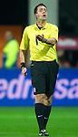Nederland, Alkmaar, 20 oktober  2012.Eredivisie.Seizoen 2012-2013.AZ-N.E.C..Scheidsrechter Dennis Higler van de KNVB