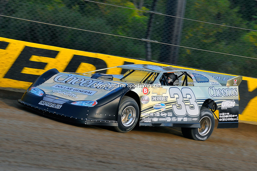 Sep 9, 2009; 6:38:00 PM; Rossburg, OH., USA; The 5th Annual All-star race with NASCAR and other drivers competing in Dirt Late Models of the Prelude to the Dream event running at the Eldora Speedway.  Mandatory Credit: (thesportswire.net)