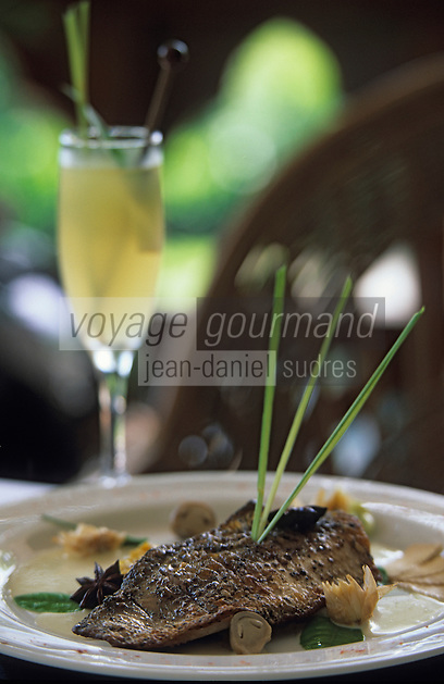 Asie/Birmanie/Myanmar/Yangon : Filet de bar à la Citronnelle et curry d'oignon blanc - Recette de Bruno Oustric chef de l'hôtel Pan Sea