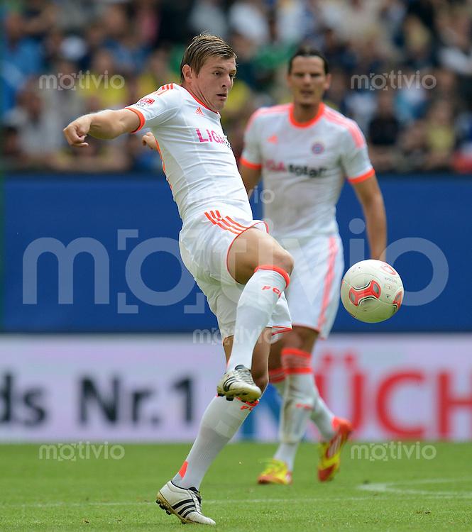 FUSSBALL   1. BUNDESLIGA   SAISON 2012/2013   LIGA TOTAL CUP  FC Bayern Muenchen - Hamburger SV                   05.08.2012 Toni Kroos (FC Bayern Muenchen)  Einzelaktion am Ball