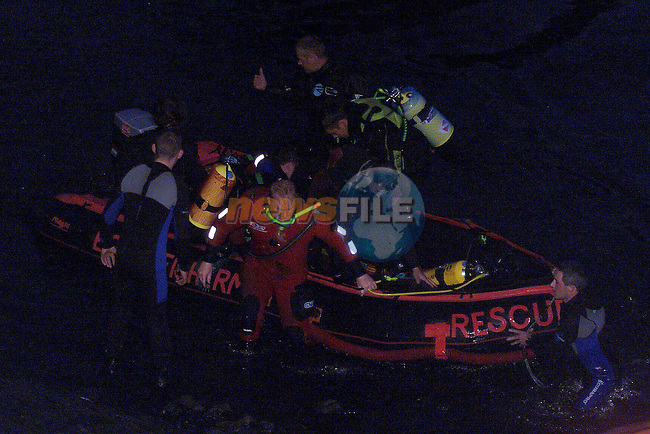 Members of the  Drogheda Fishermans Rescue & Drogheda River Rescue looking for the body of Thomas Flaherty.See Elaine Keogh for Copy.Pic Fran Caffrey Newsfile NO BYLINE