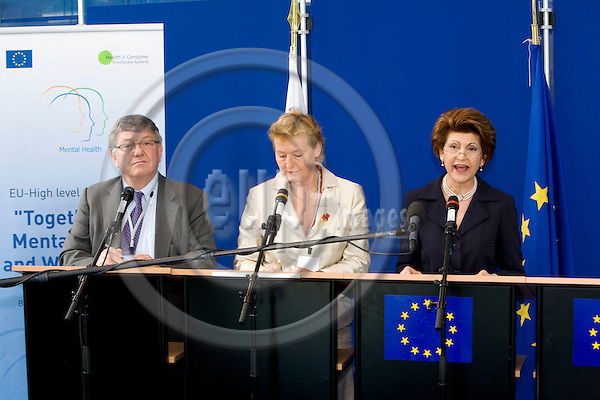BRUSSELS - BELGIUM - 13 JUNE 2008 -- From left Marc DANZON, Director WHO Regional Office for Europe, the Slovenian Minister for Health Zofija MAZEI-KUKOVIC and EU Commissioner Androlla VASSILIOU giving a press conference on Mental Health.  Photo: Erik Luntang/EUP-IMAGES