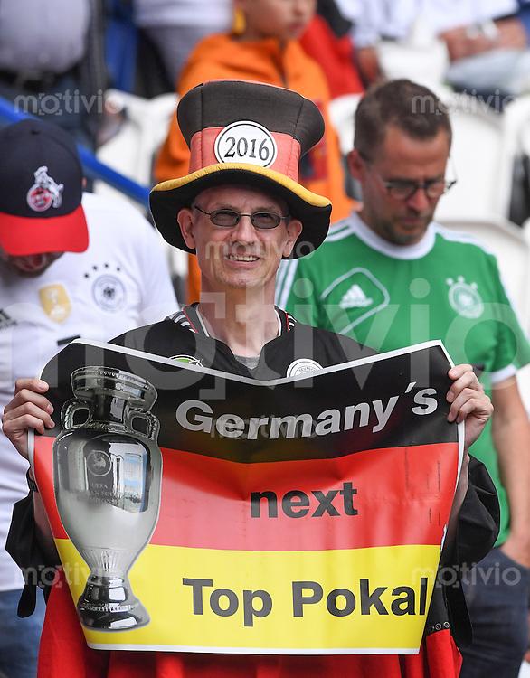 FUSSBALL EURO 2016 GRUPPE C IN PARIS Nordirland - Deutschland     21.06.2016 Fan der Deutschen Nationalmannschaft
