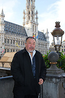 EXCLUSIF : L'artiste chinois Ai Weiweii sur la Grand-Place de Bruxelles.<br /> Belgique, Bruxelles, 21 novembre 2018.<br /> EXCLUSIVE : Chinese artist Ai Weiwei pictured at th&eacute; Grand-Place in Brussels.<br /> Belgium, Brussels, 21 November 2018