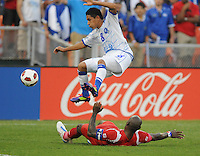 Panama Felipe Baloy goes against El Salvador    Osrael Romero (8)  Panama defeated El Salvador in penalty kicks 5-3 in the quaterfinals for the 2011 CONCACAF Gold Cup , at RFK Stadium, Sunday June 19, 2011.