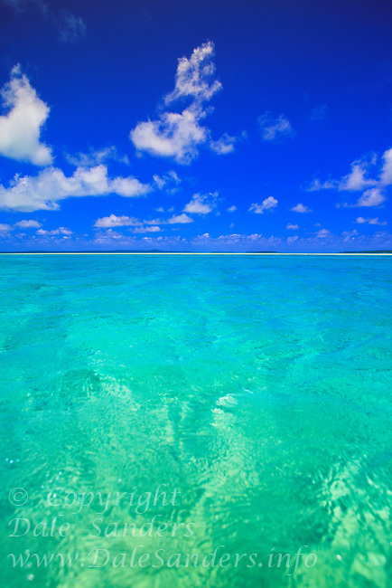 Aitutaki Lagoon, Cook Islands in the South Pacific.