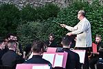 """Nella Sala dei Cavalieri di Villa Rufolo, <br /> Conservatorio di Musica 'Giuseppe Martucci' di Salerno<br /> """"Rhapsody in blue"""" per pianoforte e orchestra<br /> Direttore Massimiliano Carlini <br /> Alessandro Volpe, pianoforte<br /> <br /> Musiche di Gershwin"""