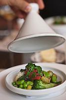 Afrique/Afrique du Nord/Maroc/Marrakech: Tagine de légumes du moment dans un bouillon court parfumé au jus de truffes, recette de Jean-Pierre Vigato, Restaurant: le Français à  La Mamounia