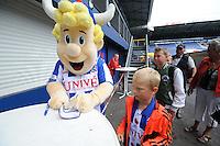 VOETBAL: ABE LENSTRA STADION: HEERENVEEN: 05-07-2014, Open dag SC Heerenveen, Heero geeft handtekeningen, ©foto Martin de Jong