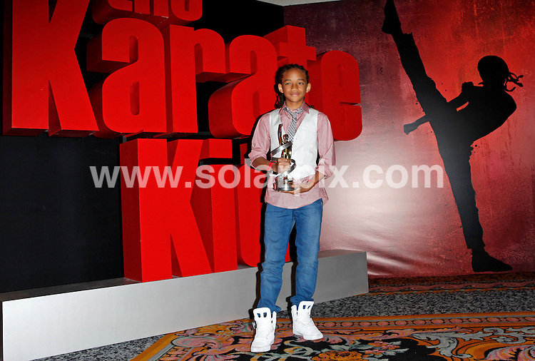 **ALL ROUND PICTURES FROM SOLARPIX.COM**.**SYNDICATION RIGHTS FOR UK AND SPAIN ONLY**.Jaden Smith photocall for The Karate Kid, with trophy for Breakthrough Male Star Of The Year, Las Vegas, NV, USA, 17 March 2010.This pic: Jaden Smith.JOB REF: 10925      CPR heinz       DATE: 17_03_2010.**MUST CREDIT SOLARPIX.COM OR DOUBLE FEE WILL BE CHARGED**.**MUST NOTIFY SOLARPIX OF ONLINE USAGE**.**CALL US ON: +34 952 811 768 or LOW RATE FROM UK 0844 617 7637**
