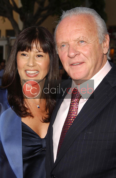 Stella Arroyave and Anthony Hopkins<br />