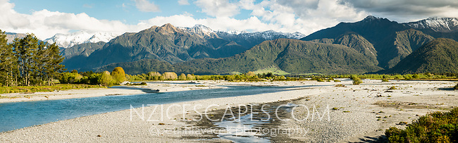 Kokatahi River near Hokitika with Southern Alps in background, West Coast, South Westland, New Zealand, NZ