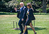 JUL 18 Trumps Depart the White House