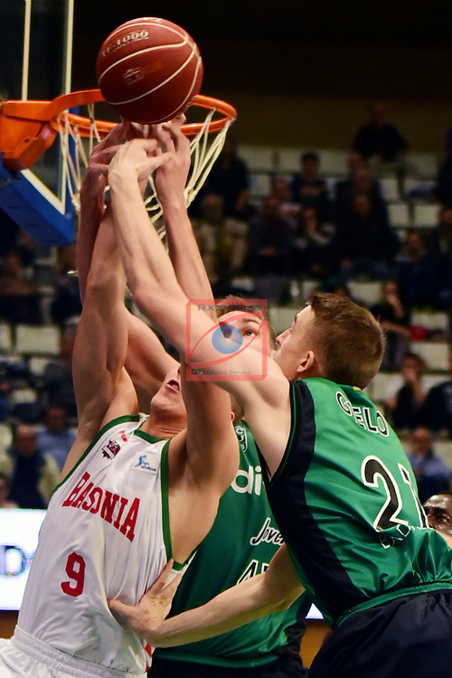 League ACB-ENDESA 2016/2017. Game: 5.<br /> Divina Seguros Joventut vs Baskonia: 83-90.<br /> Tadas Sedekerskis, Garrett Stutz &amp; Tomasz Gielo.