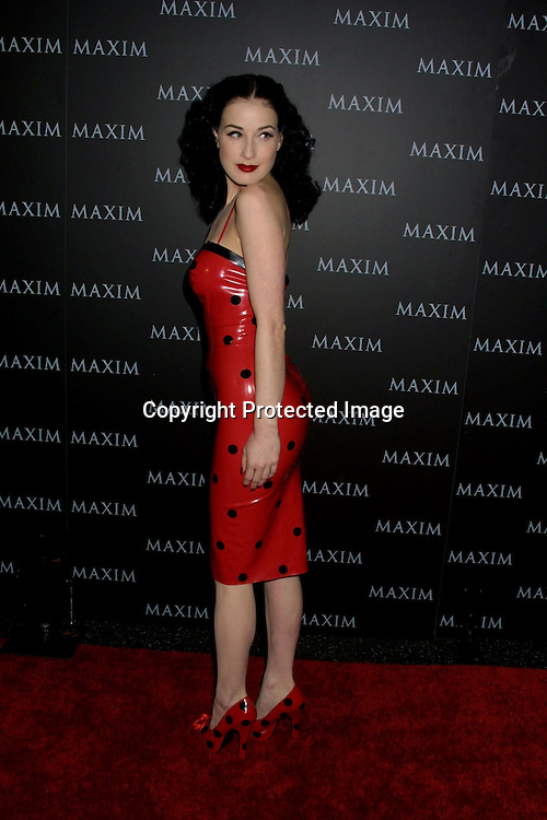 ©2002 KATHY HUTCHINS / HUTCHINS PHOTO.MAXIM MAG PUSSYCAT DOLLS PERFORMANCE .HOLLYWOOD, CA.DECEMBER 3, 2002  ..DITA VON TESSE