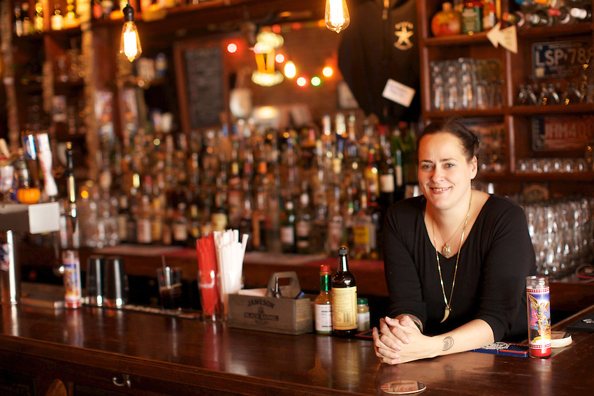 Brooklyn, NY - November 13, 2013: Rosie Schaap, author of 'Drinking With Men' and writer for the New York Times, tends bar weekly at South in South Park Slope. CREDIT: Clay Williams for Zagat.<br /> <br /> <br /> &copy; Clay Williams / http://claywilliamsphoto.com