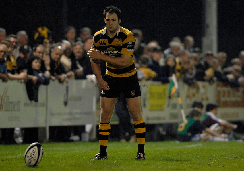 Photo: Richard Lane..London Wasps A v Leicester Tigers A. Guinness A League Final 1st leg. 16/04/2007. .Wasps' Edd Thrower lines up a kick.