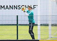 Torwart Manuel Neuer (Deutschland Germany) beim Training auf dem Nebenplatz - 26.05.2018: Training der Deutschen Nationalmannschaft zur WM-Vorbereitung in der Sportzone Rungg in Eppan/Südtirol