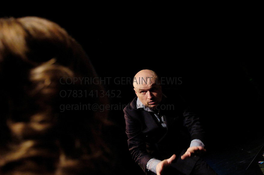 Product written and performed by Mark Ravenhill .A plaines Plough production performing at the Traverse Theatre at the Edinburgh Festival 2005. CREDIT Geraint Lewis