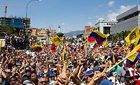 CARACAS - VENEZUELA, 02-02-2019:  Miles de Venezolanos participan hoy, 2 de febrero de 2019, en Caracas en una marcha en apoyo al jefe del Parlamento y autoproclamado presidente encargado de Venezuela, Juan Guaidó. / Thousands of Venezuelans participate today, February 2, 2019, in Caracas in a parade in support of the head of Parliament and self-proclaimed president in charge of Venezuela, Juan Guaidó. Photo: VizzorImage / Carolain Caraballo / Cont