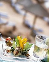 Europe/France/Corse/2A/Corse-du-Sud/Porto-Vecchio: Langoustines au pesto et tartare de courgette recette de Georges Billom Chef du Grand Hotel de Cala Rossa