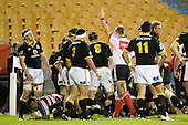 Referee Vinny Munro awards a try to Simon Lemalu. Air New Zealand Cup rugby game between Counties Manukau Steelers & Wellington played at Mt Smart Stadium on the 31st August 2007. The Score was 13 all at halftime, with Wellington going on to win 33 - 18.