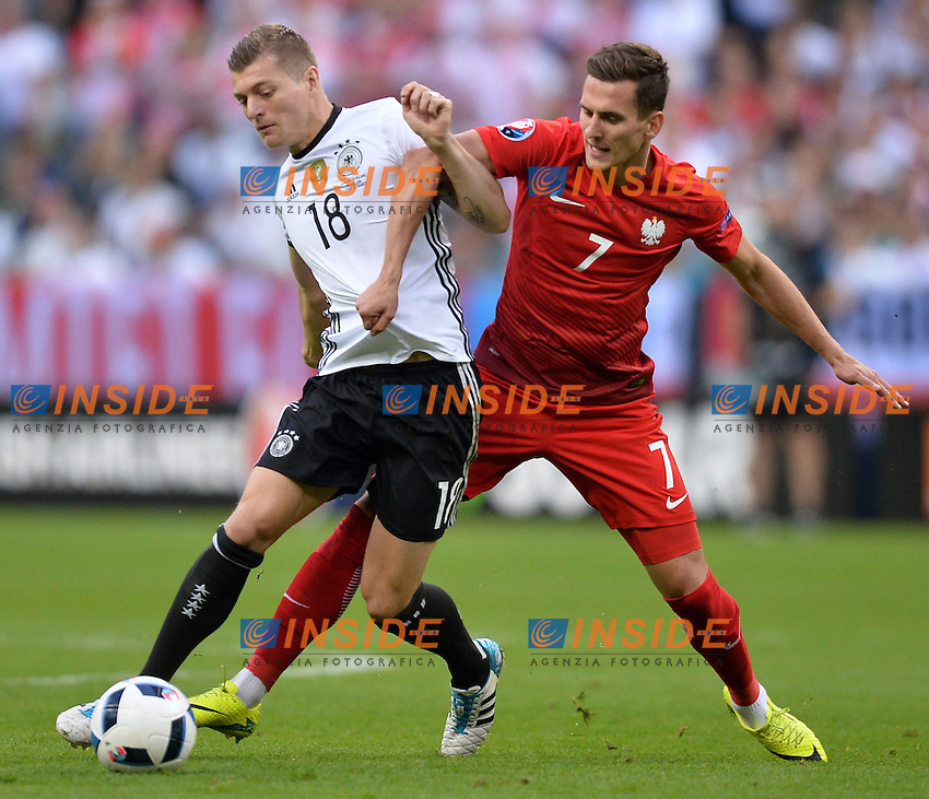 Toni Kroos (ger) - Arkadiusz Milik (pol) <br /> Paris 16-06-2016 Stade de France Football Euro2016 Germany - Poland / Germania - Polonia Group Stage Group C. Foto Anthony Bibard / Panoramic / Insidefoto