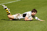 Photo: Richard Lane/Richard Lane Photography. Worcester Warriors v London Wasps. Guinness Premiership. 17/04/2010. Wasps' Dominic Waldouck dives in for his second try.