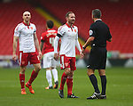 Sheffield United's Matt Done remonstrates with the referee - Sheffield United vs Coventry City - SkyBet League One - Bramall Lane - Sheffield - 13/12/2015 Pic Philip Oldham/SportImage