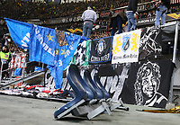 Herausgerissene Sitzreihen werden von den Ordnern weggetragen - 07.03.2019: Eintracht Frankfurt vs. Inter Mailand, UEFA Europa League, Achtelfinale, Commerzbank Arena, DISCLAIMER: DFL regulations prohibit any use of photographs as image sequences and/or quasi-video.