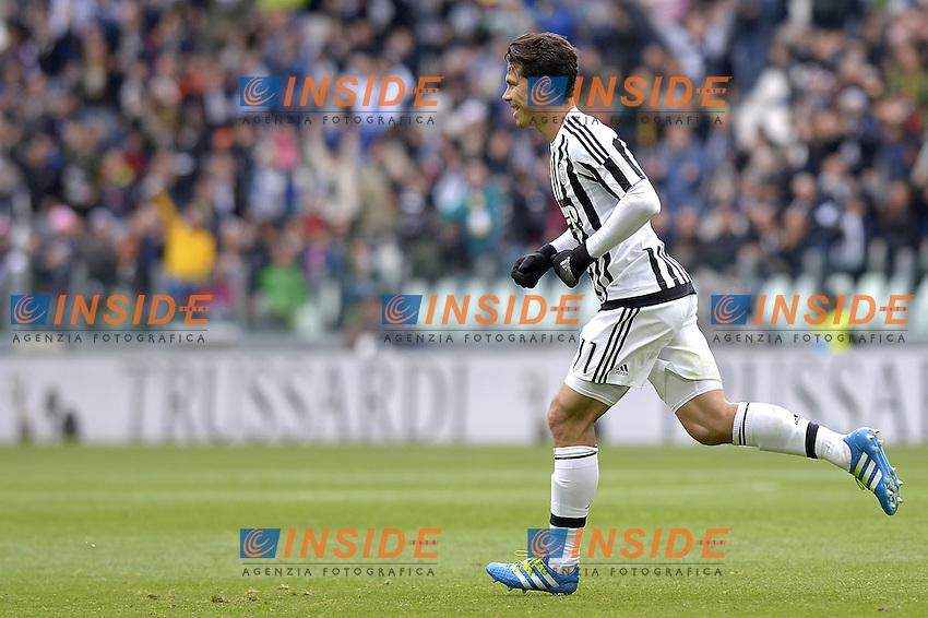 Esultanza Anderson Hernanes Juventus dopo gol 1-0, goal celebration,<br /> Torino 01-05-2016, Juventus Stadium, Football Calcio 2015/2016 Serie A, Juventus - Carpi, Foto Filippo Alfero/Insidefoto