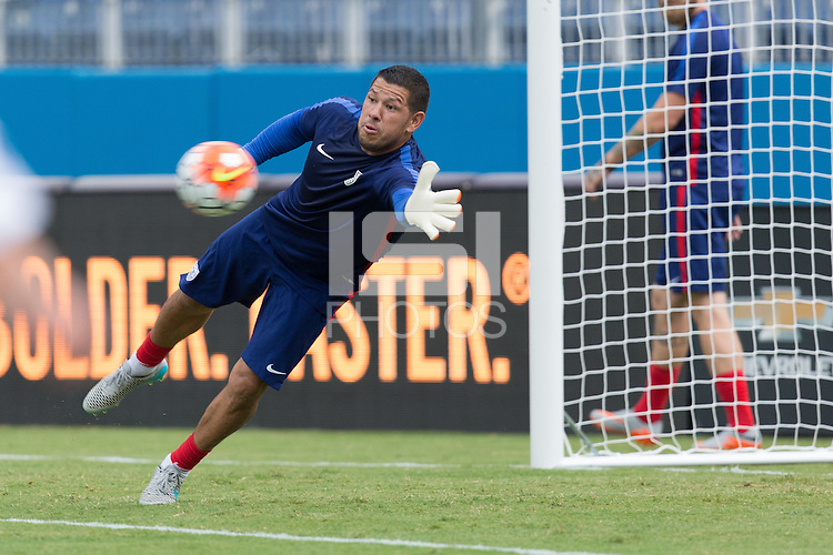 Nashville, Tennessee - Thursday, July 2, 2015: The USMNT train in preparation for the Gold Cup at Nissan Stadium.