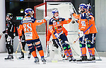V&auml;ster&aring;s 2014-12-21 Bandy Elitserien Tillberga Bandy - Bolln&auml;s GIF :  <br /> Bolln&auml;s Samuli Koivuniemi firar sitt 3-2 m&aring;l med lagkamrater under matchen mellan Tillberga Bandy och Bolln&auml;s GIF <br /> (Foto: Kenta J&ouml;nsson) Nyckelord:  Bandy Elitserien ABB Arena Syd Tillberga TB V&auml;ster&aring;s Bolln&auml;s GIF Giffarna jubel gl&auml;dje lycka glad happy