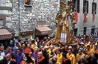 Gubbio 15 MAY 2006..Festival of the Ceri..The solemn procession with the statue of St Ubaldo....http://www.ceri.it/ceri_eng/index.htm..
