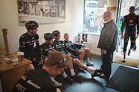 race meeting prior to the race in a local beauty salon led by DS John Herety (GBR)<br /> <br /> Tour of Britain<br /> stage 2: Carlisle to Kendal (187km)