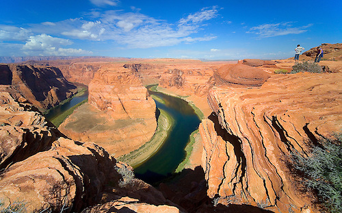THE COLORADO RIVER WINDS ITS WAY THROUGH THE SANDSTONE OF NORTHERN ARIZONA AT HORSESHOE BEND