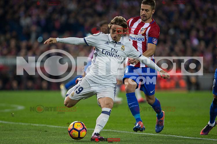 Real Madrid's Luka Modric Atletico de Madrid's Gabi Fernandez during the match of La Liga between Atletico de Madrid and Real Madrid at Vicente Calderon Stadium  in Madrid , Spain. November 19, 2016. (ALTERPHOTOS/Rodrigo Jimenez) /NORTEPHOTO.COM